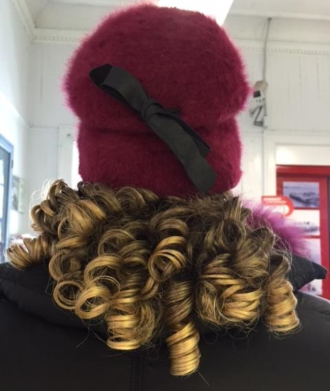 Alopecia_Style_Hat_with_Curls-433278-edited