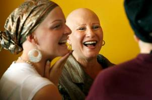 alopecia-beauty-tips-bald-girls-do-lunch